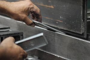 Corte e Dobra em Aço Carbono